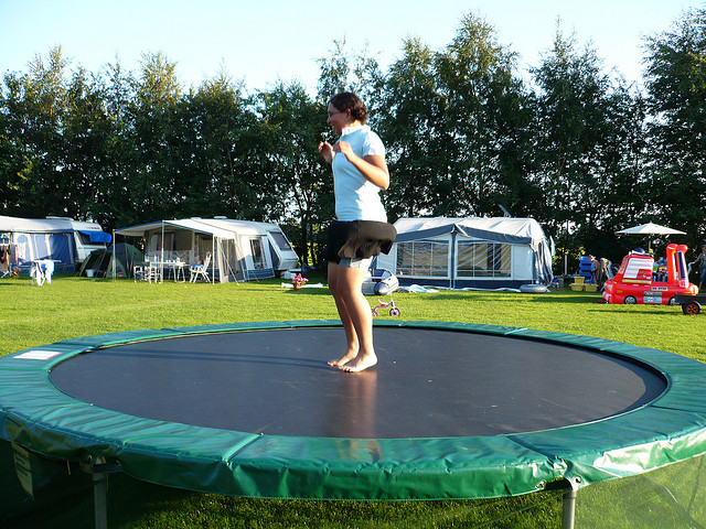 5 Features Of A Round Trampoline Domi Jump