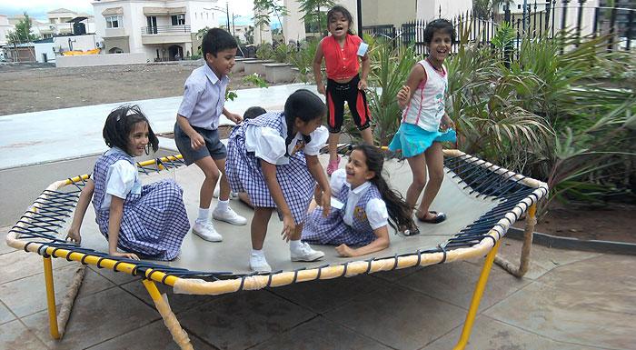 Octagonal trampolines